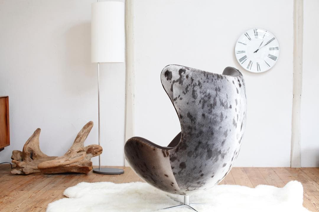 Seal Chair (2)